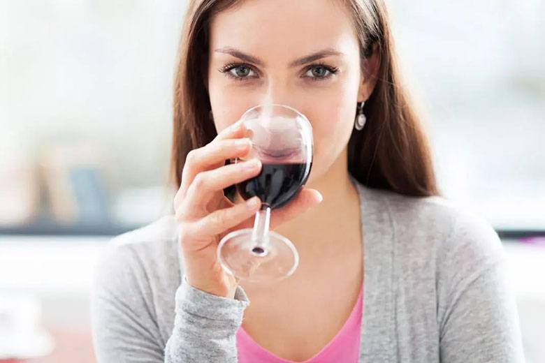 E bun vinul roșu pentru ochi?
